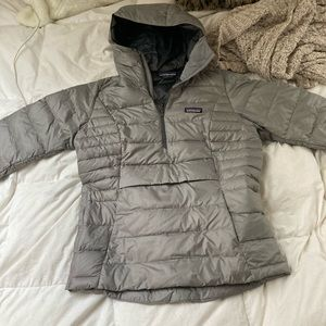 Jackets & Blazers - PATAGONIA quarter zip with hoodie!